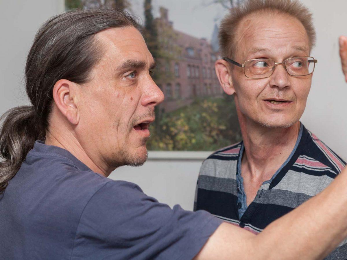 Johann und Frank schätzen ihre Chancen ab