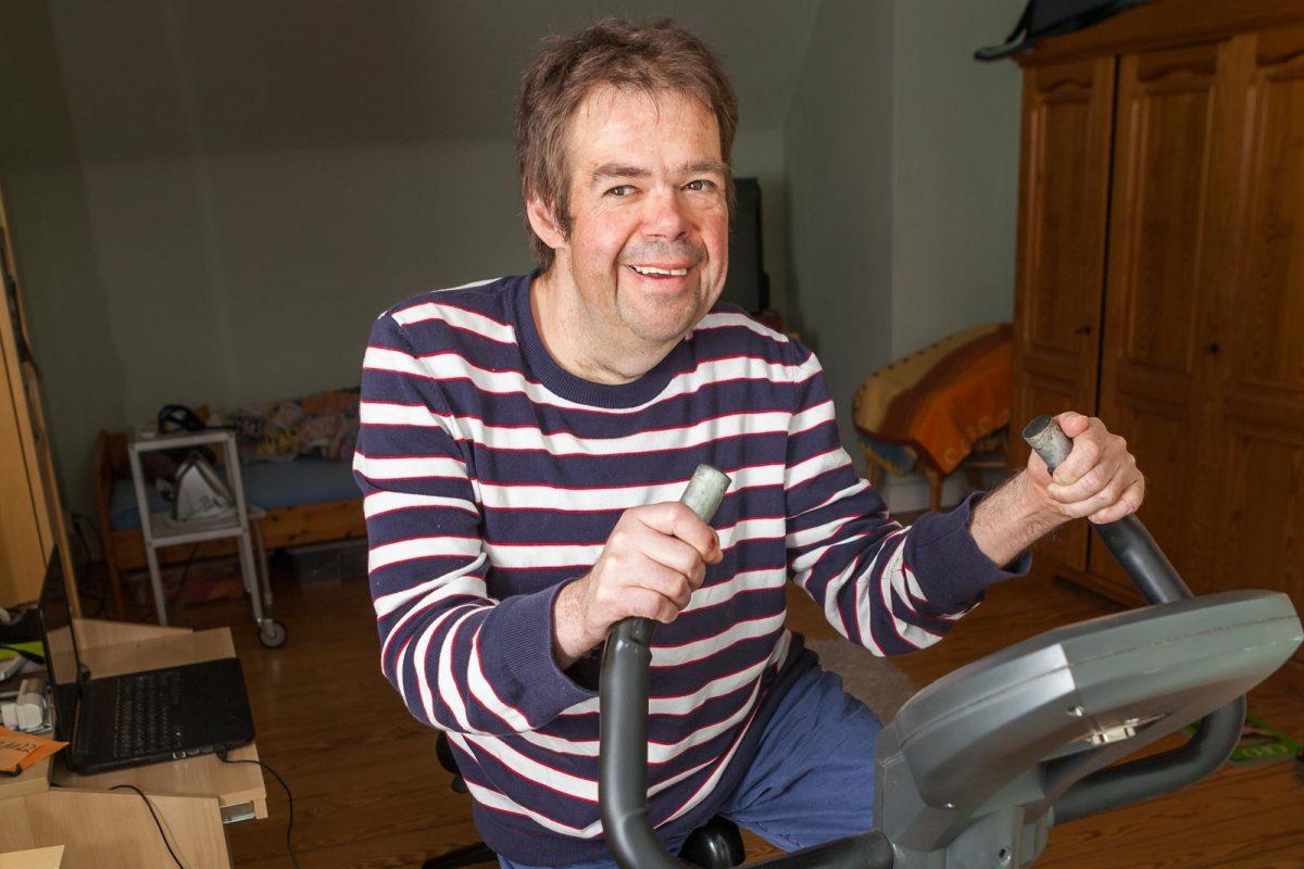 Zum Fitbleiben nutzt Stefan den Heimtrainer