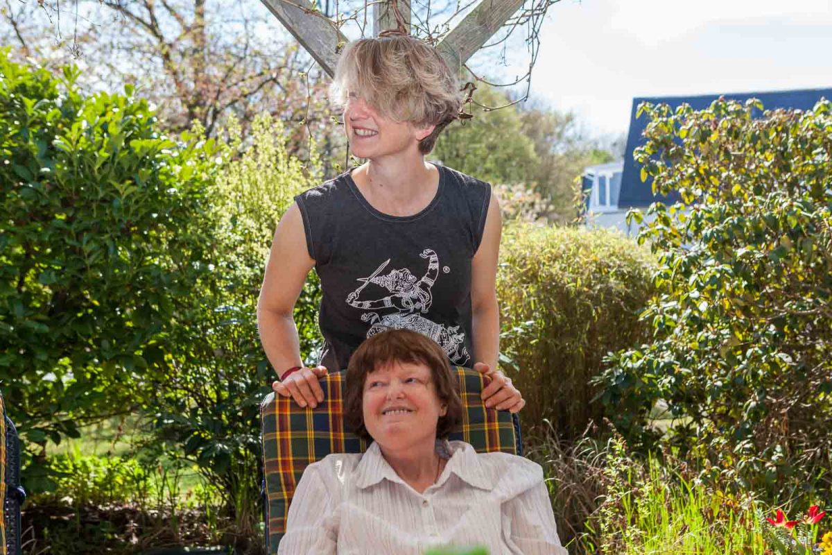 Betreuerin Simone und Gabi kennen sich schon sehr lange