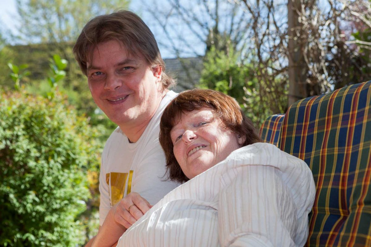 Ex-Bewohner Nicky R. lebt jetzt einer WG, kommt aber noch gern zu Besuch